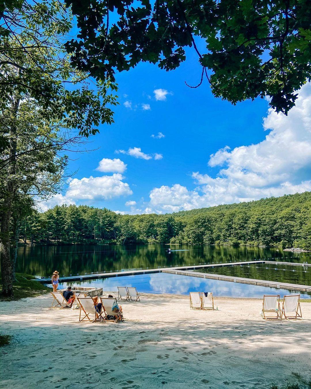 Cedar Lakes Estate_corporate retreats near nyc_flok